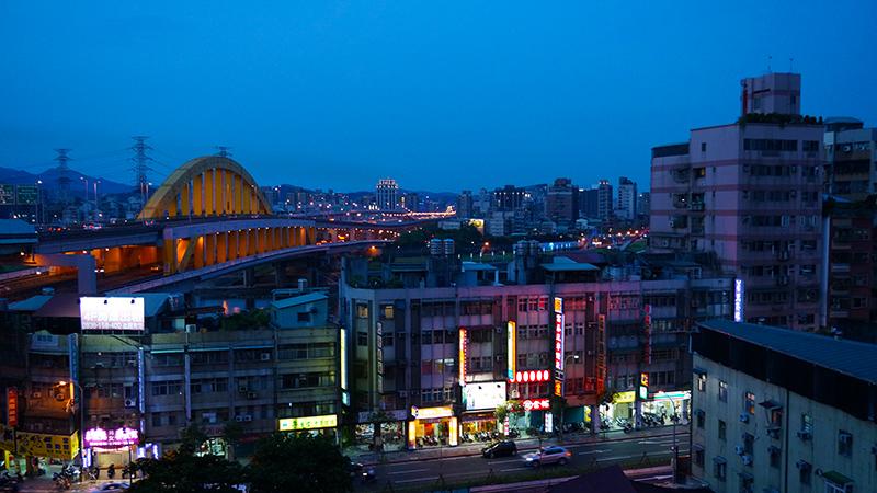 旅馆附近的夜景